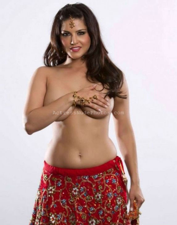 Bollywood Actress sunny leone topless in saree Sunny Leone Desi Pornstar Bollywood Actress ki Nangi Real Chudai HD